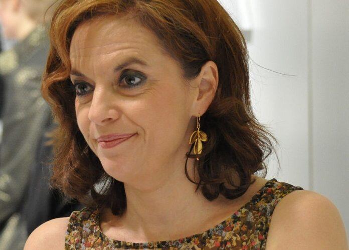 Anna-Leena_Harkonen-Turun-Kirjamessuilla-2011-Wikimedia-Commons